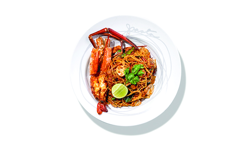 Spaghetti with Seafood Tom Yum